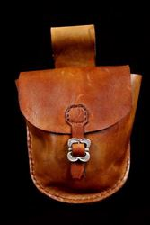 Picture of Gusset Style Leather Belt Pouch